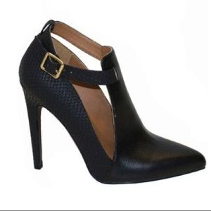 Qupid Snake Accented Pointed Toe Heels Sz 5.5